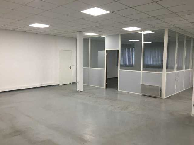 LOCATION - LOCAL COMMERCIAL - CREIL - 194 M2